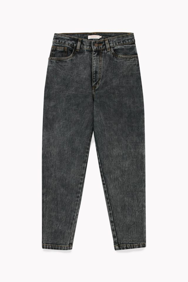 WOMAN MOM DENIM
