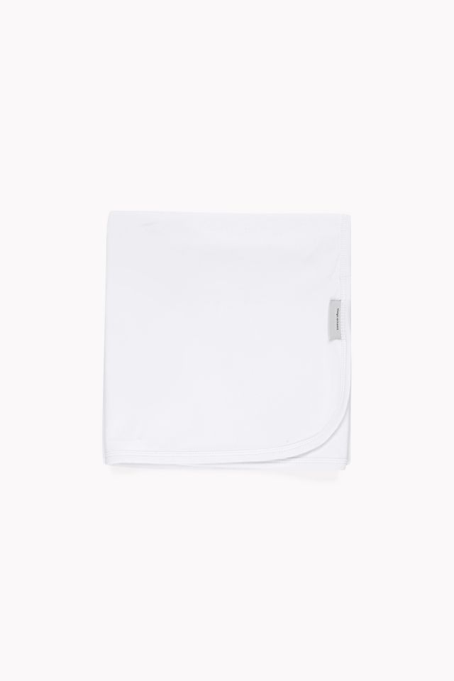 basic blanket white