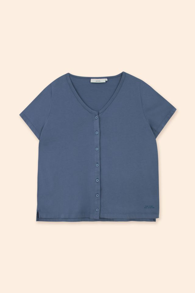 WOMAN BUTTONED TOP