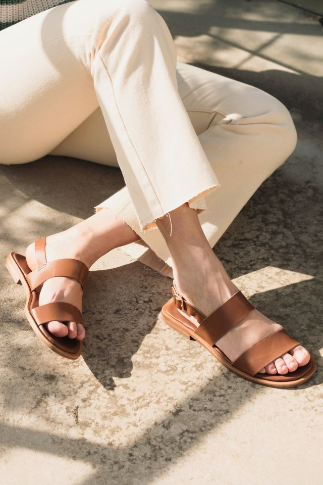 WOMAN LEATHER SANDALS